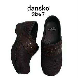 Dansko slip on brown shoes close toe size 7
